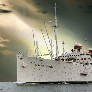 Почему погиб лайнер «Адмирал Нахимов»