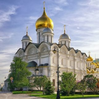 Почему Архангельский собор считается главным собором Кремля
