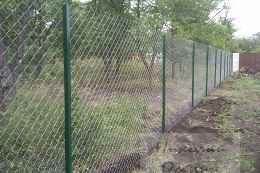 Натяжной забор из рабицы