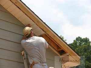 Выступ крыши гаража