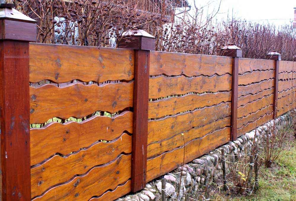 Забор для дачи из горбыля своими руками
