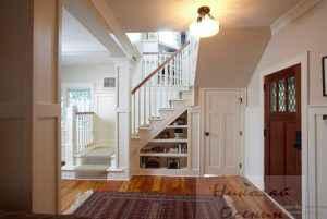 Пространство под двухмаршевой лестницей