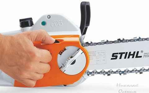 Натяжение цепи электропилы