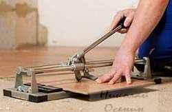 Как работать плиткорезом