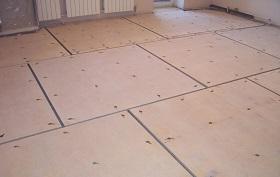 Устройство основания из древесноволокнистых плит
