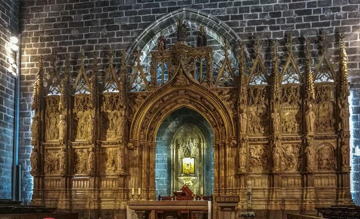 Где хранится святой Грааль