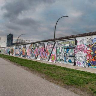 Хрущев не хотел строить Берлинскую стену